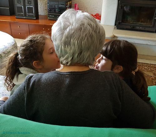 Emma, nonna e Linda amplifon