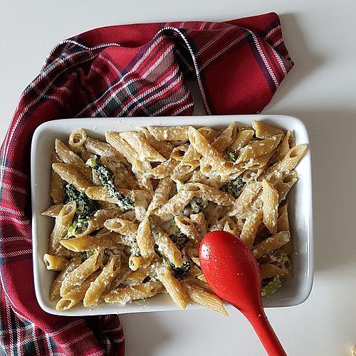 Pasta integralre con ricotta e lattuga romana